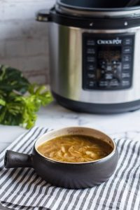Vegan French onion soup with Crockpot pressure cooker